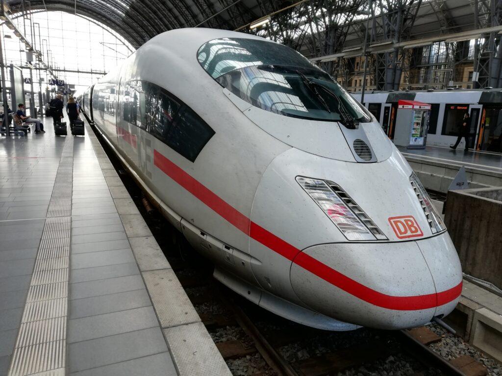 ICE trein in Frankfurt