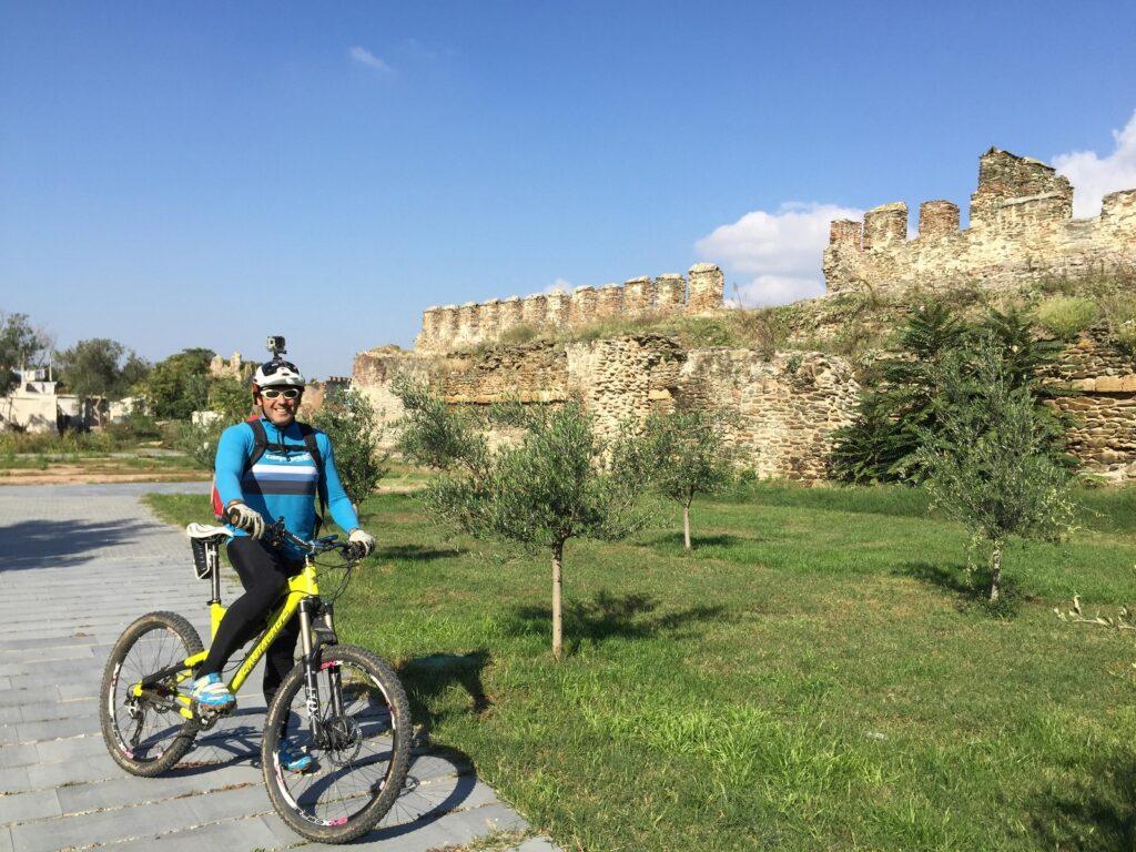 een fietstocht is een aanrader tijdens je citytrip Thessaloniki